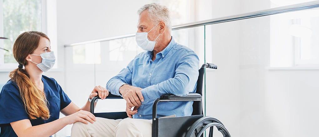 Welche Folgen hat Covid-19 für die Altenpflege?